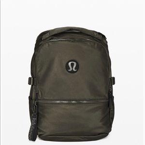 New crew lululemon backpack. Dark olive 22L